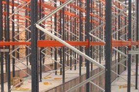 Ejemplo de sistema de pavimentos continuos a base de morteros autonivelantes, base cementosa de rápida ejecución con un levantamiento topográfico del pavimento, así como un control sistemático de cotas de terminación, para distintos requerimientos de error en función del tipo de industria.
